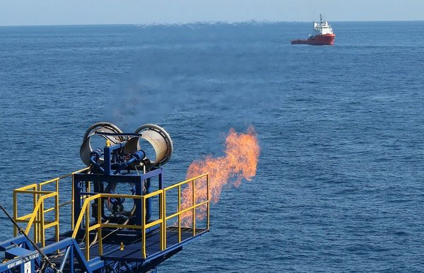 Japan_methane_hydrate_gas_flaring