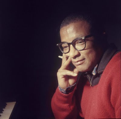 Billy_Strayhorn_red_sweater