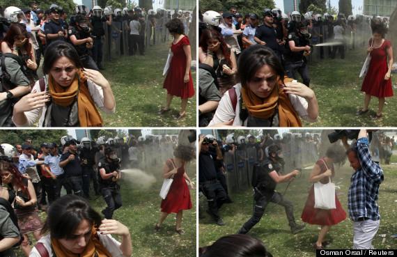 Turkey_women_in_red