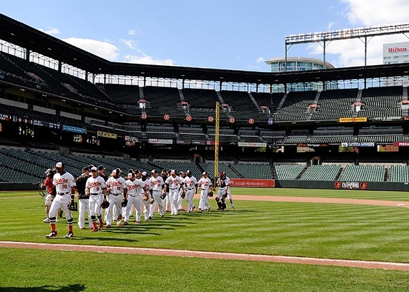 Camden_yards_orioles_win