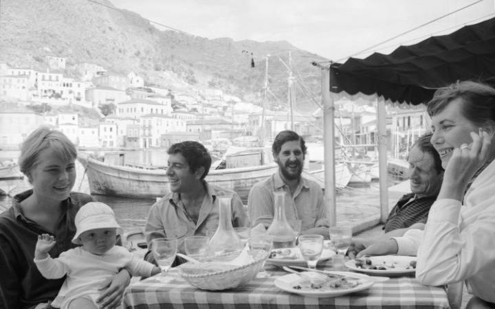 Leonard_cohen_marianne_ihlen_greece_1960